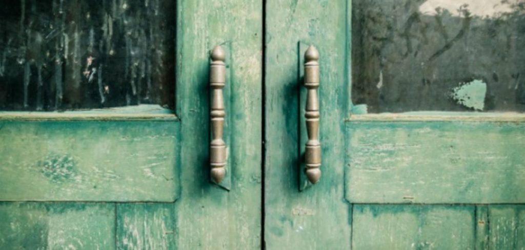 Cierra puertas sin dar portazos