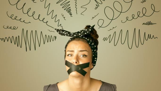 La falacia del quietismo: Pensar que el que calla otorga