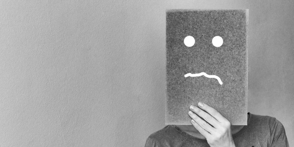 Anularse como persona: ¿De dónde proviene esa actitud y cómo erradicarla?